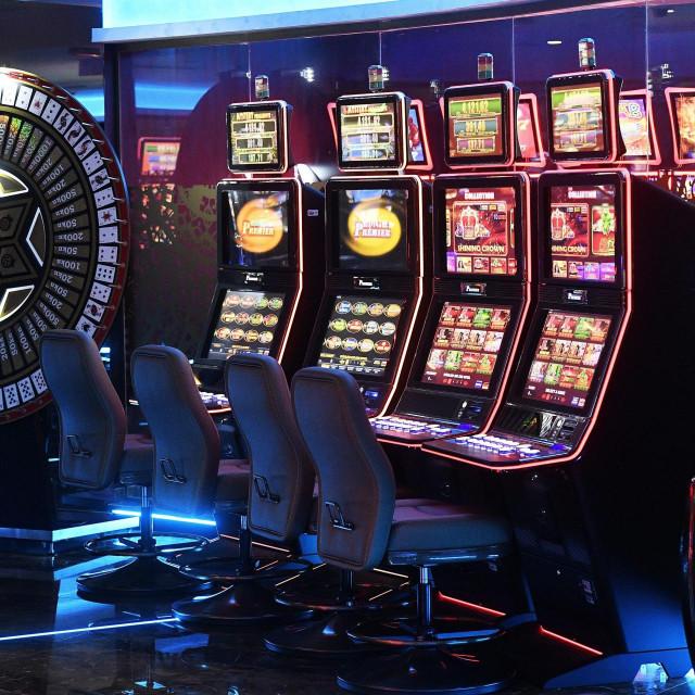 Zagreb, 230919.<br /> Novouredjeni Cro Casino Hrvatske lutrije na Aveniji grada Vukovara, koji se otvara 26. rujna.<br />