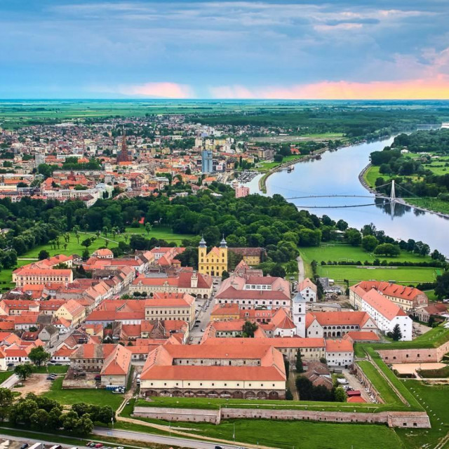 Osijek, grad na Dravi