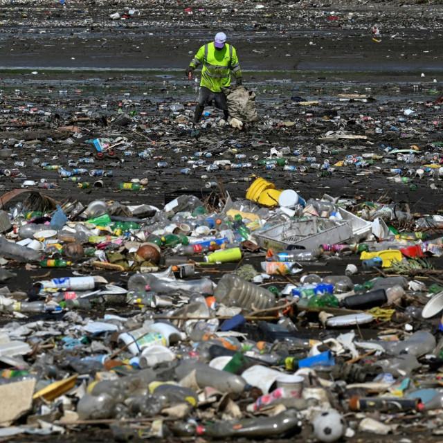 Plastika na plaži, Panama City