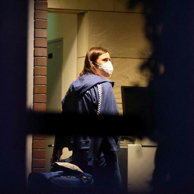 Kristina Timanovskaja došla je ponedjeljak u poljsku ambasadu u Tokiju sa svojom prtljagom