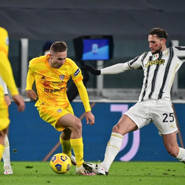 Marko Rog protiv Juventusovog Rabiota u studenom prošle godine