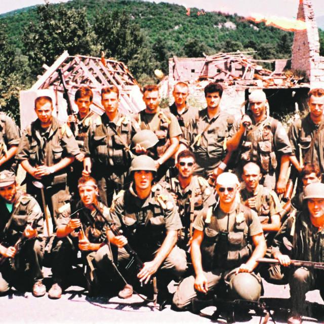 Pripadnici specijalne jedinice policije PU istarske Bak u Gračacu neposredno nakon akcije Oluja