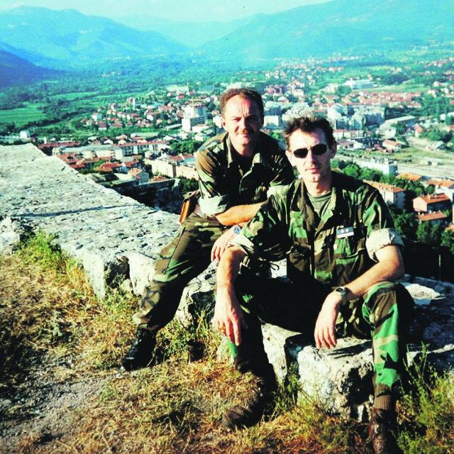 Milan Hranić sa suborcem iz 7. gardijske brigade na kninskoj tvrđavi