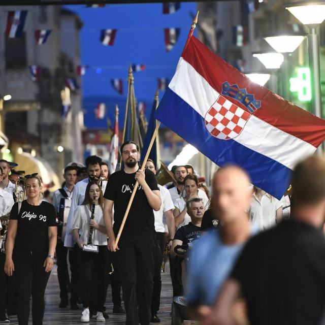 Mimohod hrvatskih branitelja u Splitu