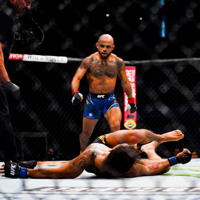 Miles Johns vs. Anderson dos Santos