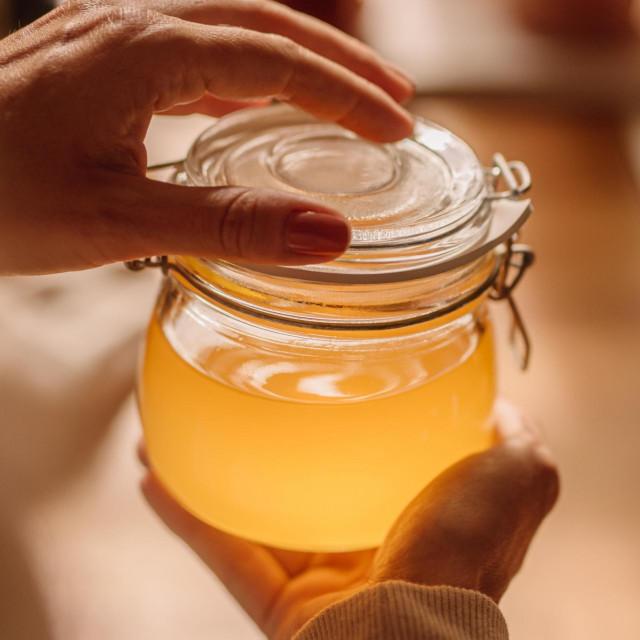 Iako se ghee smatra egzotičnom namirnicom, zapravo se radi o čistom maslu, koje se i kod nas koristi od davnina
