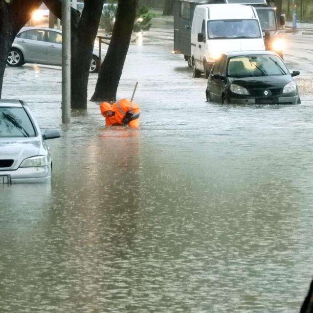 Ilustracija, poplave u Splitu