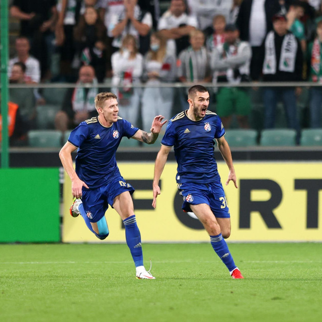 Kristijan Jakić i Bartol Franjić slave gol Dinama u Varšavi