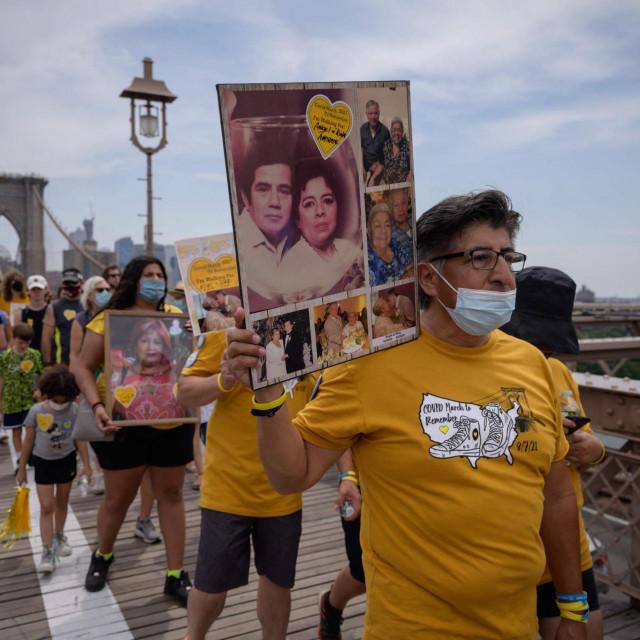 Marš sjećanja na preminule od covida
