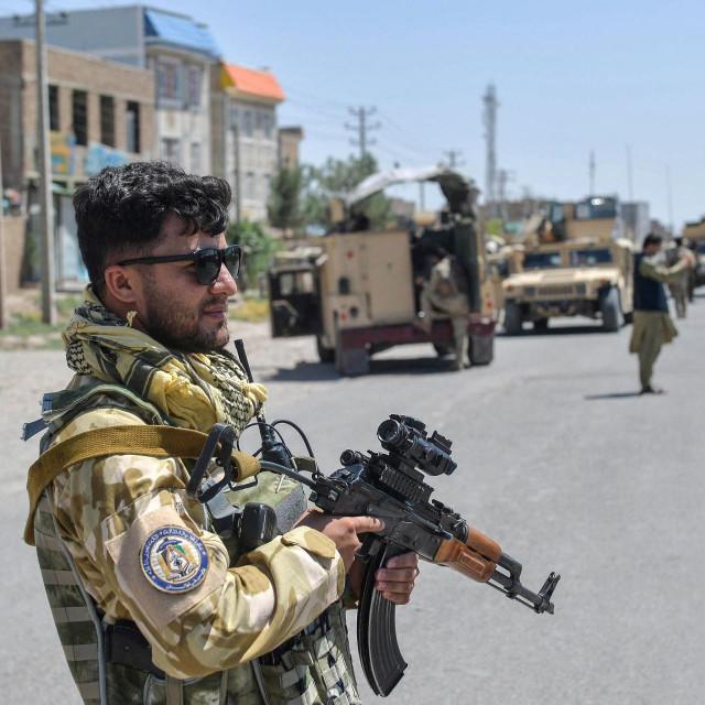 Rat u Afganistanu, Ilustracija