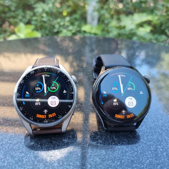 Oba uređaja imaju vrlo svijetle AMOLED ekrane veličine 1,43 inča i 3D rotirajuće krunice