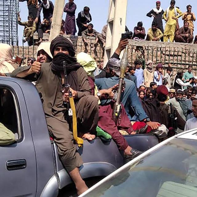 Prizor iz Jalalabada nakon što su nad gradom preuzeli talibani