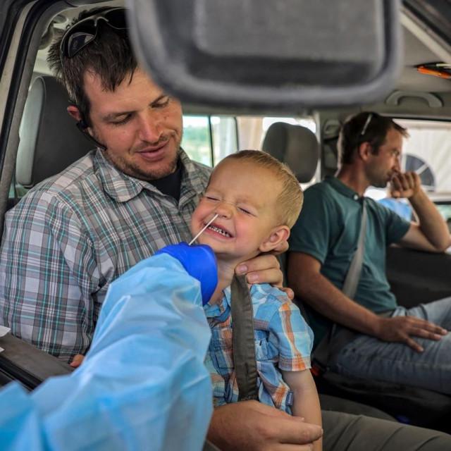 Testiranje djece na koronavirus u Izraelu