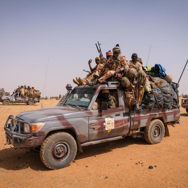 Vojnici u Burkini Faso, Ilustracija