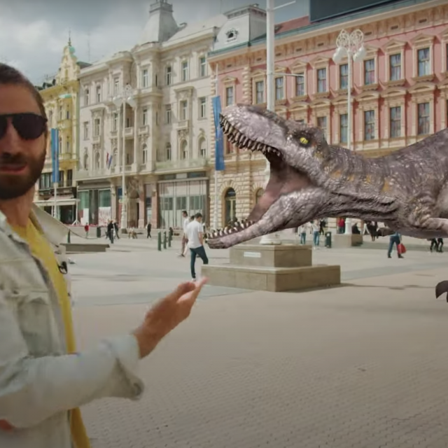 Vid Juračić, YouTuber i arhitekt, u proširenoj stvarnosti na Trgu bana Jelačića