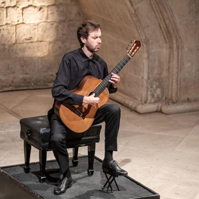 Petrit Çeku na posljednjem koncertu Dubrovačkih ljetnih igara ove godine u atriju Kneževa dvora