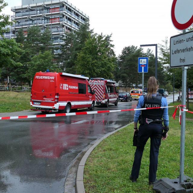 Darmstadt: Područje oko zgrade L201 u kampusu Lichtwiese je ograđeno nakon otkrića štetne tvari u posudama za piće