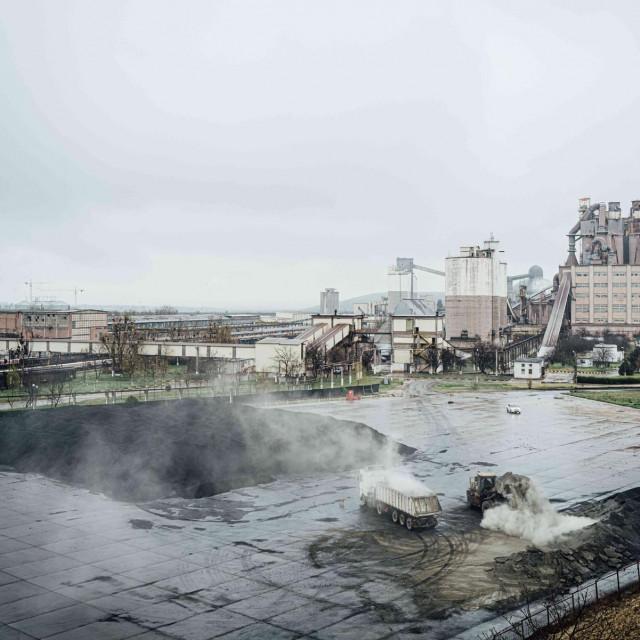 Zagađenje iz tvornice cementa u Rumunjskoj