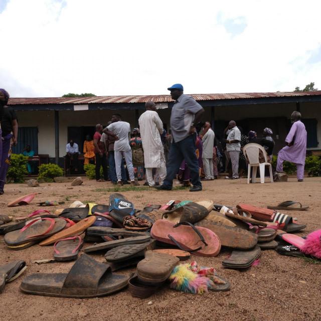 Ostaci obuće otete djece iz škole u Nigeriji<br />