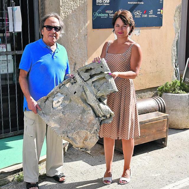 Novinarka Barbara Ban darovala je muzeju komad krila zrakoplova koji je u Drugom svjetskom ratu pao na prostorima Istre