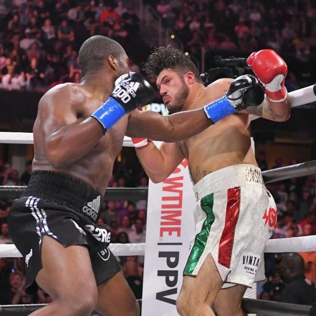 Daniel Dubois fights Joe Cusumano