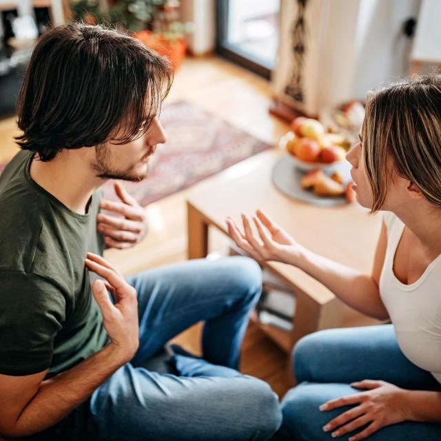 Studija objavljena u časopisu Journal of Sex & Martial Therapy ispitala je 2.371 razvedenu osobu, tražeći od njih da odaberu više od jednog razloga za razlaz