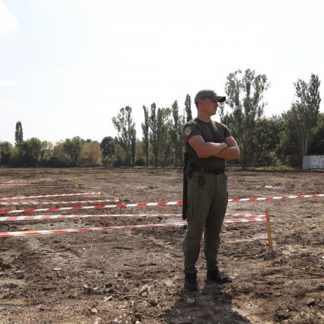 Grobnica je otkrivena prilikom ispitivanja tla za proširenje aerodroma