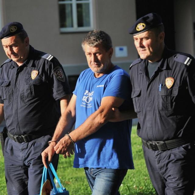 Odvodjenje vozača, Ive Filipovića, koji je skrivio nesreću u Novskoj.