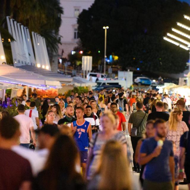 Turisti u centru Splita