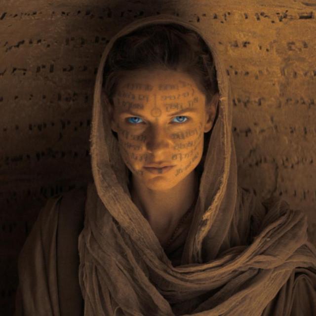 Rebecca Ferguson kao Gospa Jessica u Dini