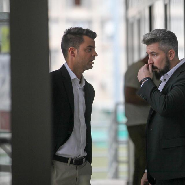 Mikel Gonzales (lijevo)