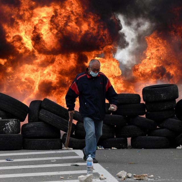 Jutarnji list - Crna Gora nije daleko od ambisa građanskog rata. 'Padne' li  ona, zna se tko bi bio sljedeći