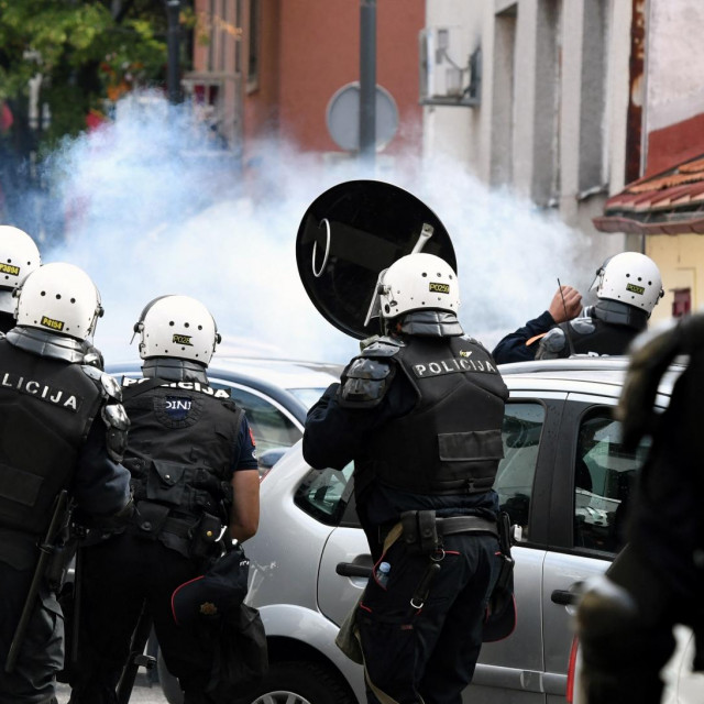 Neredi u Crnoj Gori