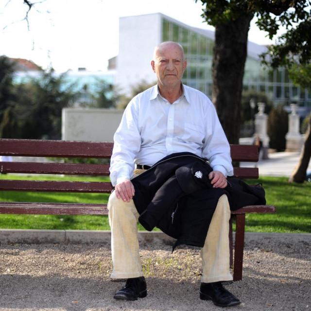 Šibenčanin Stjepan Gulin za svoj je pjesnički opus 2012. godine ovjenčan Goranovim vijencem. Umro je dvije godine kasnije.