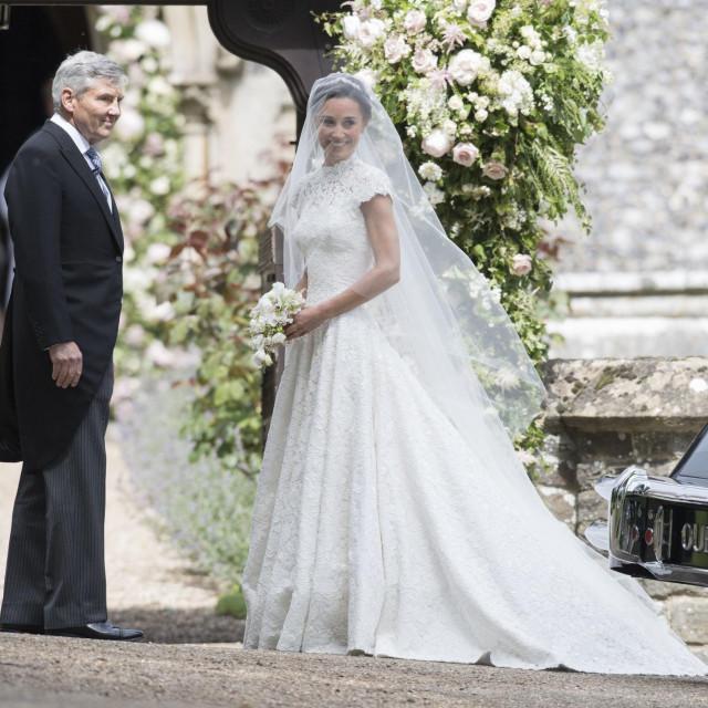 Pippa se 2017. udala za Jamesa Matthewsa.