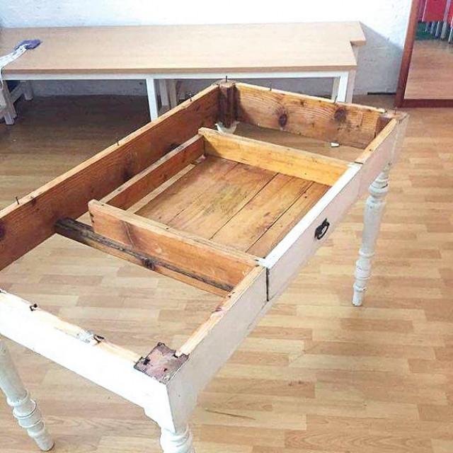Drveni stol kupljen je u ne baš tako blistavom stanju