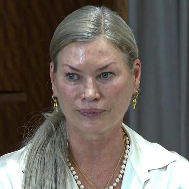 Carre Sutton imala je sedamnaest godina kad je prvi put proživjela navodno zlostavljanje