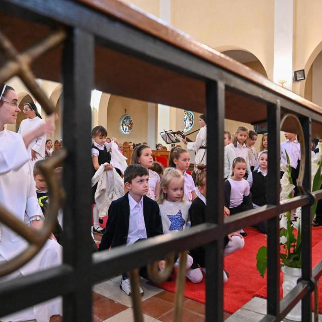 Nastavni dan koji započinje molitvom sve je rasprostranjenija pojava u Mađarskoj