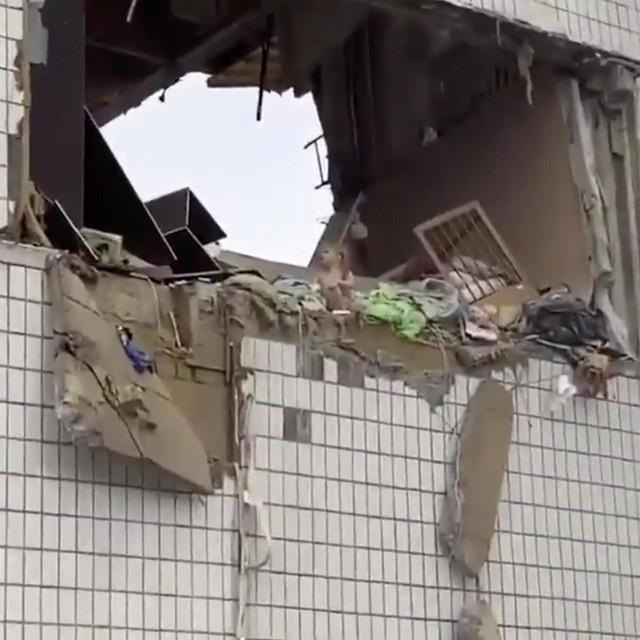Alisa je spašena nakon eksplozije plina u 9-kata stambene zgrade u gradu Noginsk, Moskovska regija