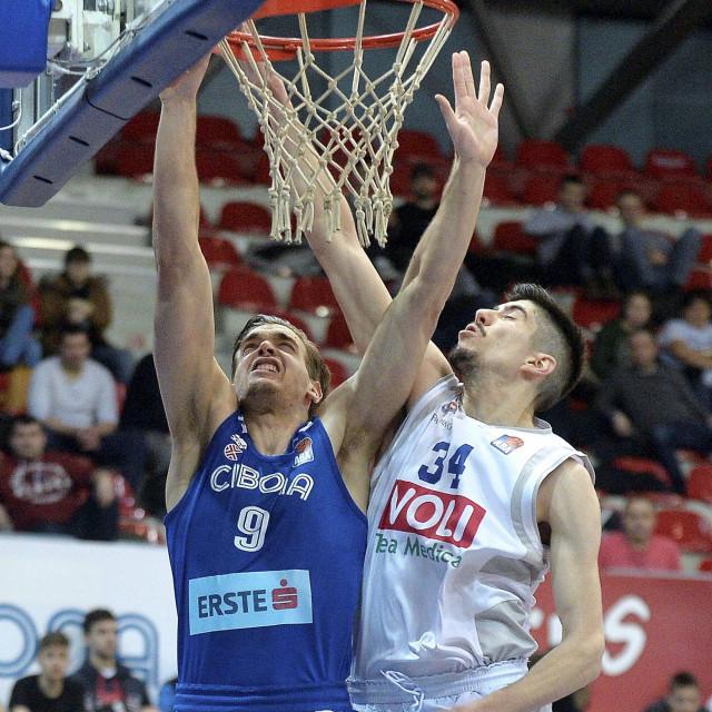 Danilo Nikolić (desno)