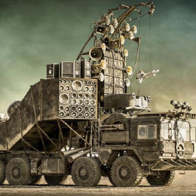 Automobil iz Mad Max: Fury Road