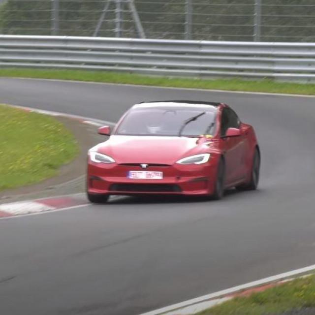 Tesla Model S Plaid na Nurburgringu