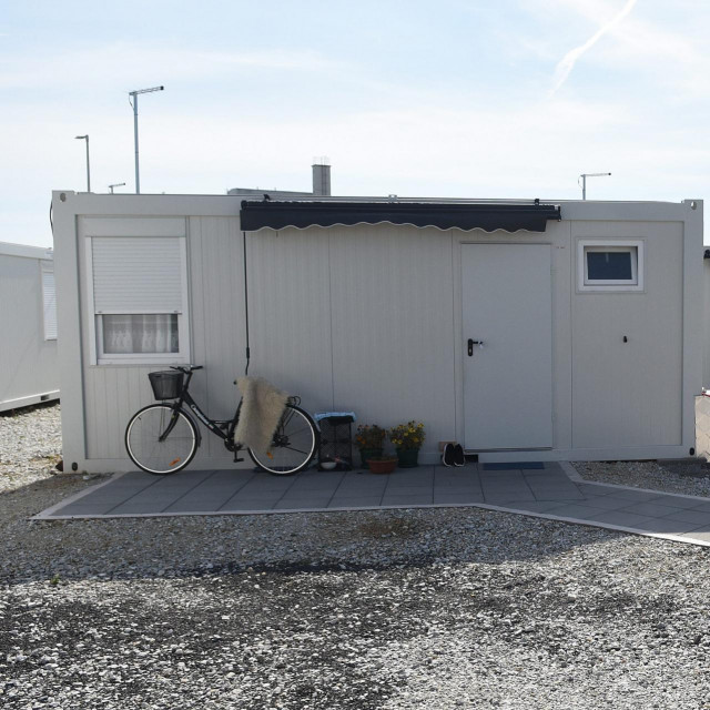 Kamp naselje u Glini