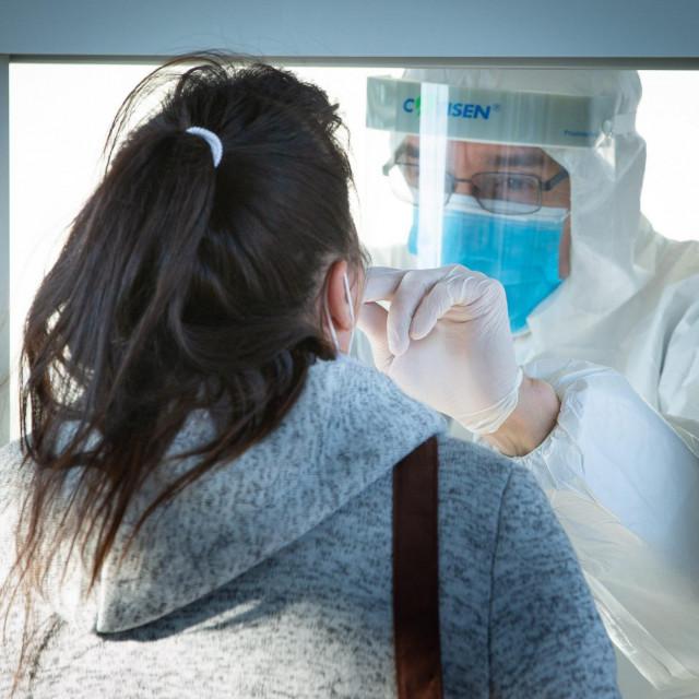Testiranje na koronavirus, Ilustracija