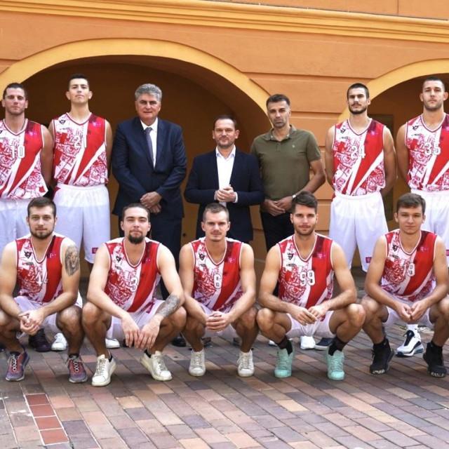 Košarkaši KK Gorice, stručni stožer i uzvanici