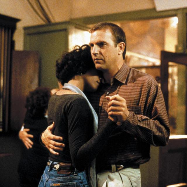 Kevin Costner i Whitney Houston u Tjelohranitelju