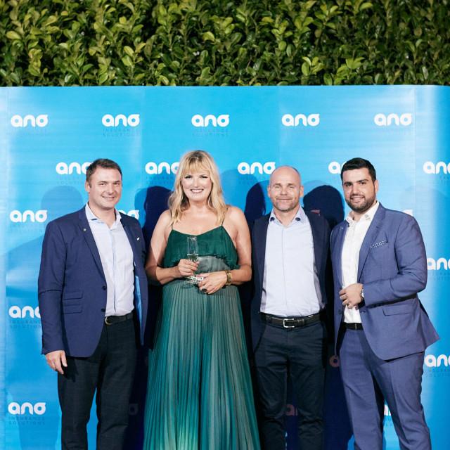Anđela Buconjić Šutija i članovi uprave Allianza