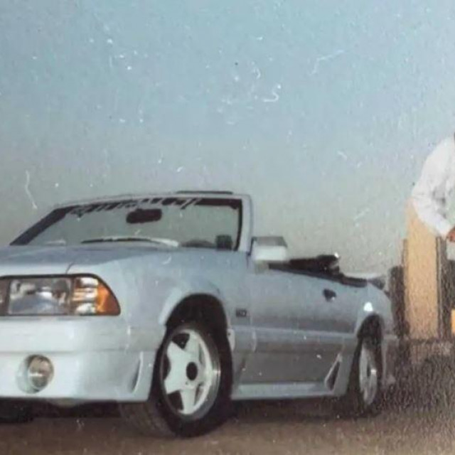 Vanilla Ice i Ford Mustang