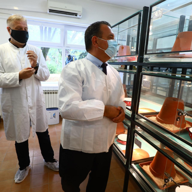 Ministar zdravstva Vili Beroš posjetio je lokaciju buduće tvornice Imunološkog zavoda.<br />