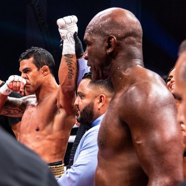 Vitor Belfort vs. Evander Holyfield